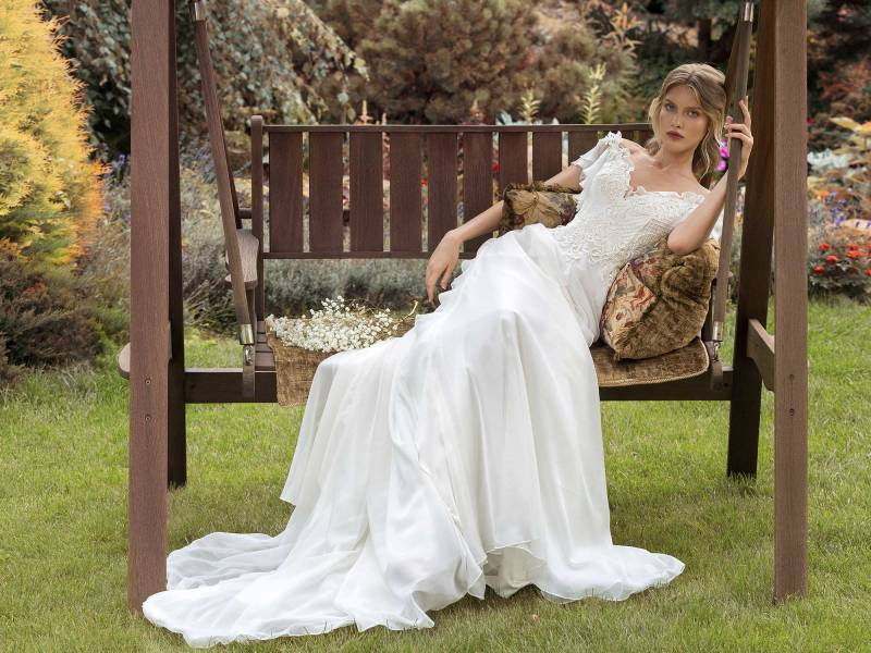 19-2001-2-wedding-dress-Papilio