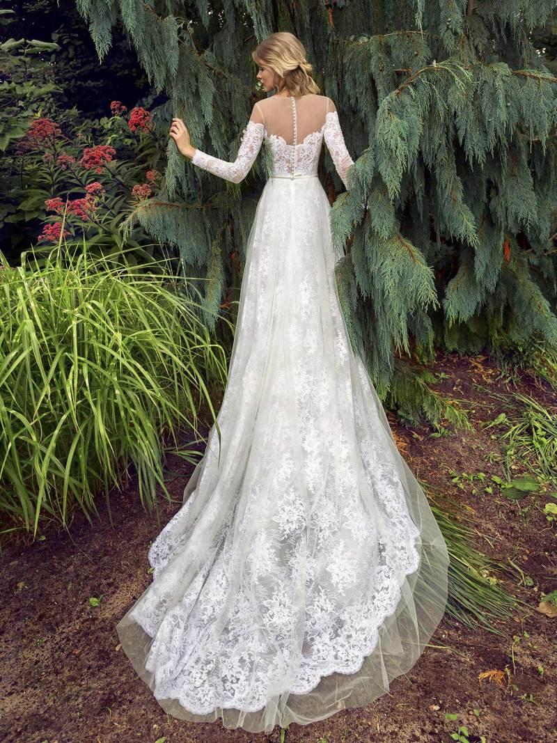 19-2005-wedding-dress-Papilio