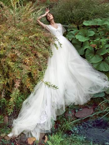 A-line wedding dress with bustier bodice