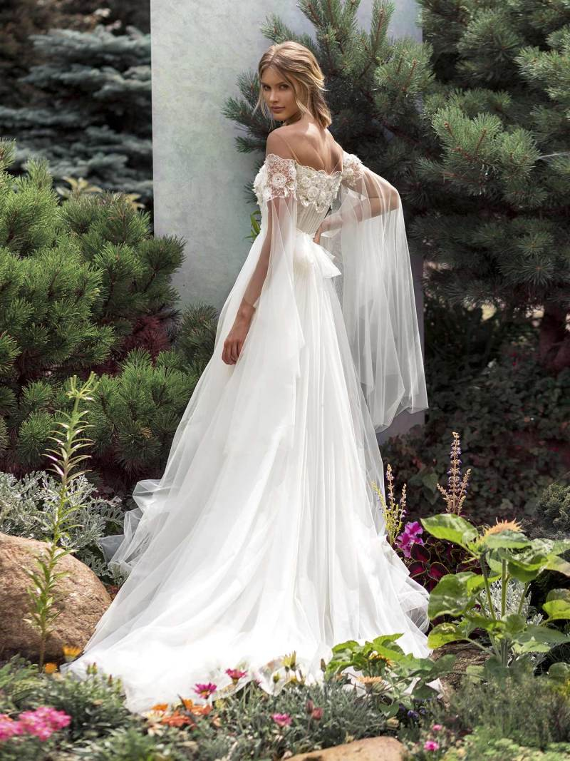 19-2012-1-wedding-dress-Papilio