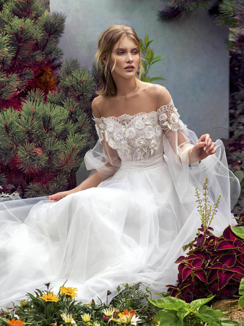 19-2012-wedding-dress-Papilio