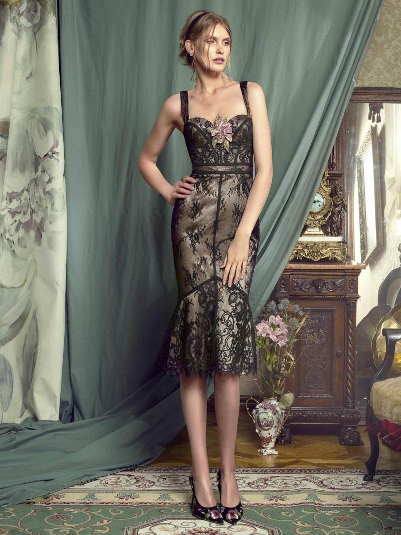 Sheath lace dress with bustier bodice
