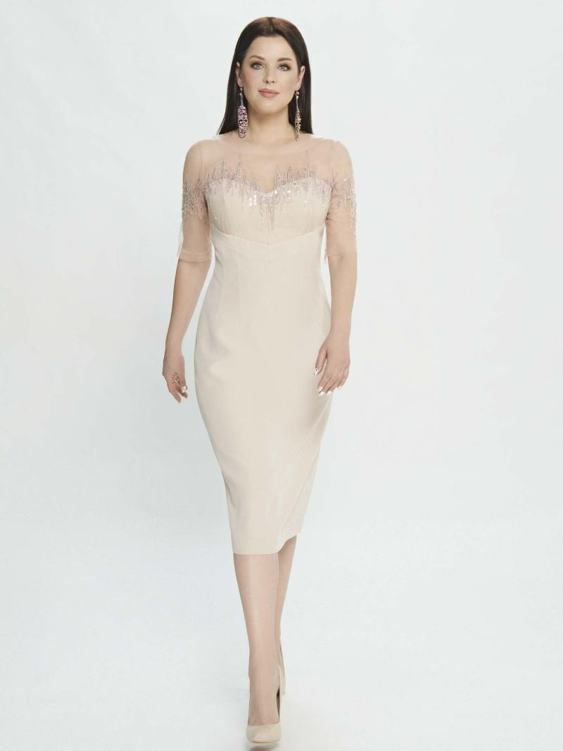 Sheath dress with sweetheart bodice and fitted skirt