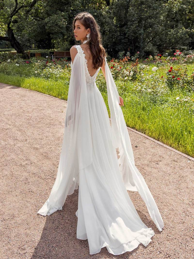 13001-2-unique-wedding-dress-in-Toronto