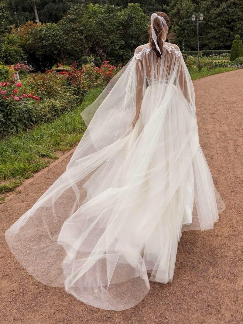 13002-2-unique-wedding-dress-in-Toronto