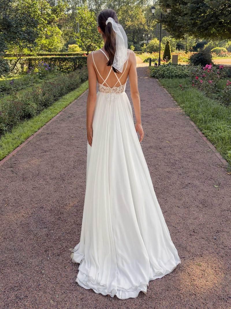 13006-2-unique-wedding-dress-in-Toronto
