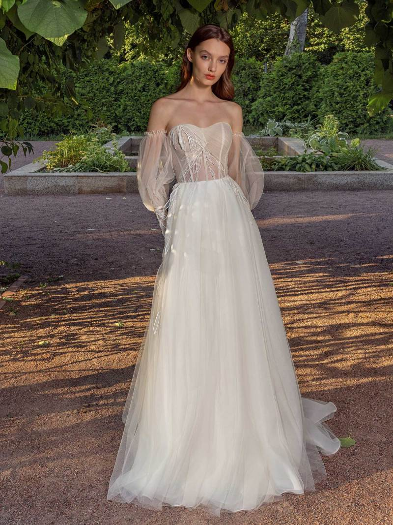 Strapless A-line wedding dress with removable sleeves