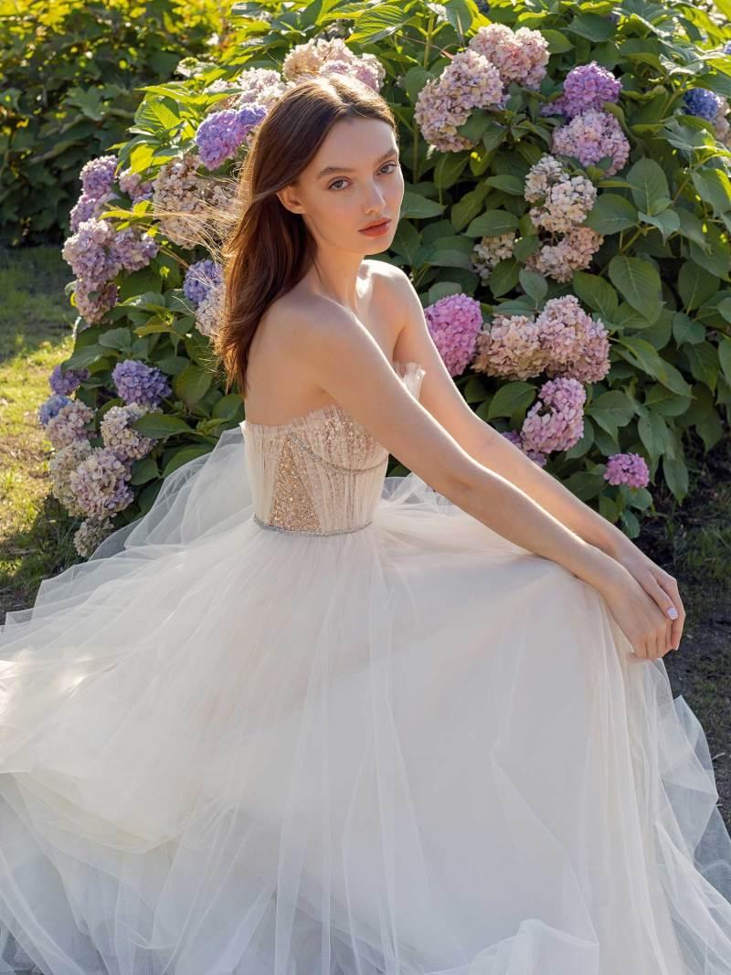13010-3-unique-wedding-dress-in-Toronto