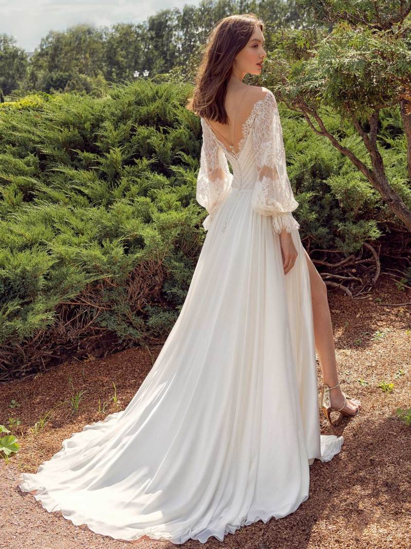 13011-2-unique-wedding-dress-in-Toronto