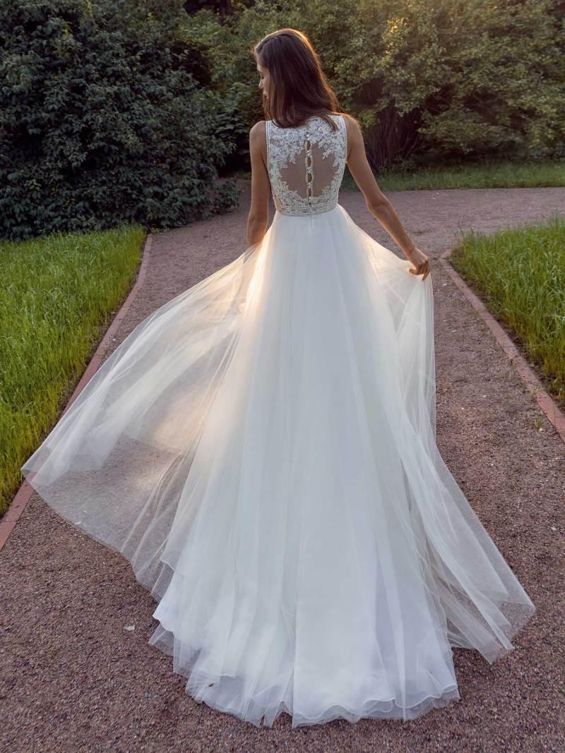 13013b-2-unique-wedding-dress-in-Toronto