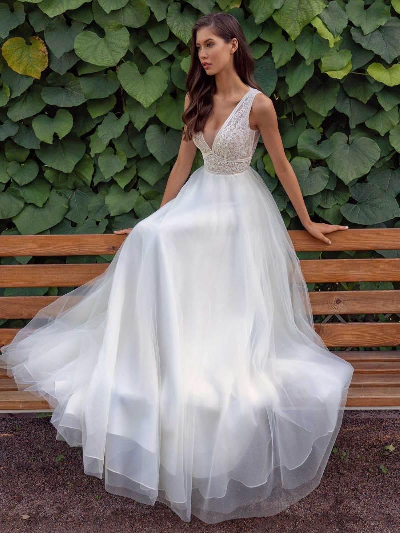 13013b-4-unique-wedding-dress-in-Toronto