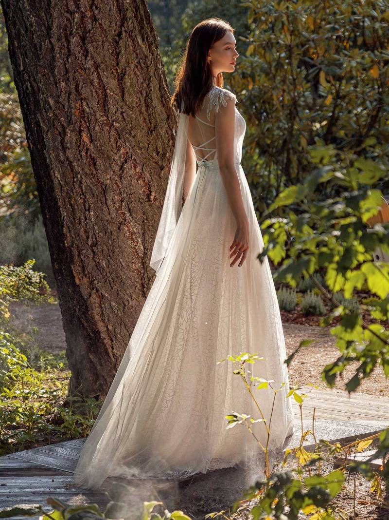 13016-4-unique-wedding-dress-in-Toronto