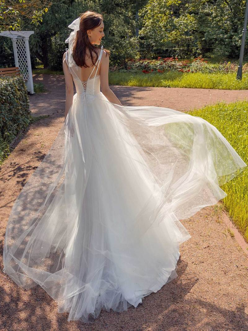13017-2-unique-wedding-dress-in-Toronto