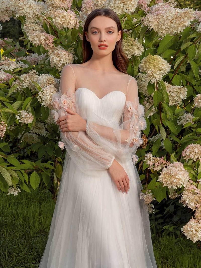 13019-1-unique-wedding-dress-in-Toronto