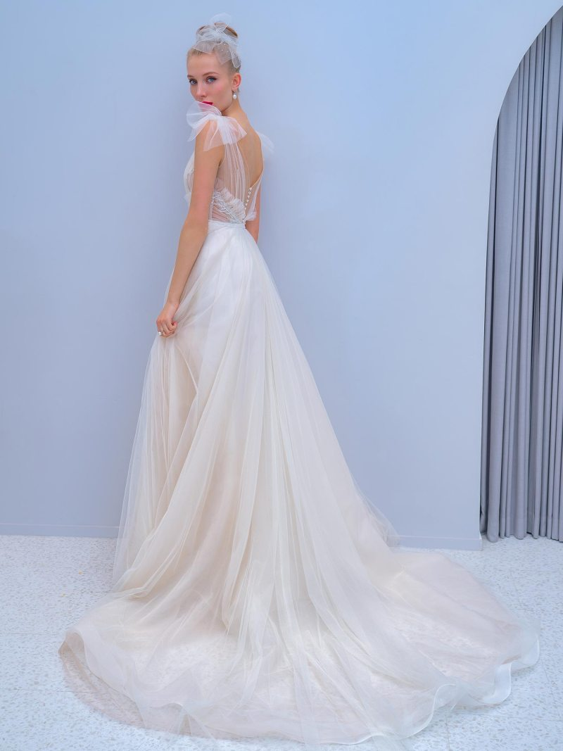 2201L_3_wedding_dress