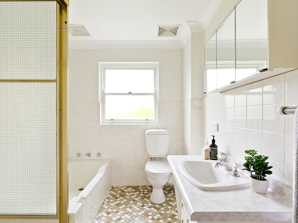 papillon-styling-renovations-australia-property-makeover-fairlight-one-bathroom