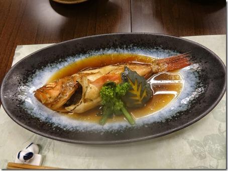 しぶごえ館山の夕食カサゴの煮つけ