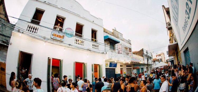 Pré-Carnaval LadoB: Casa da Ribeira cai na folia em prévia carnavalesca