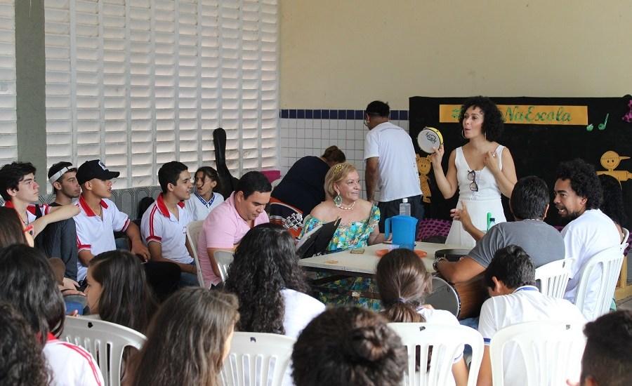 clube do samba nas escolas