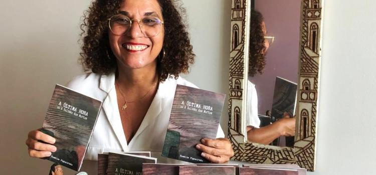 Roteirista lança livro sobre histórias de amor, morte e tempo