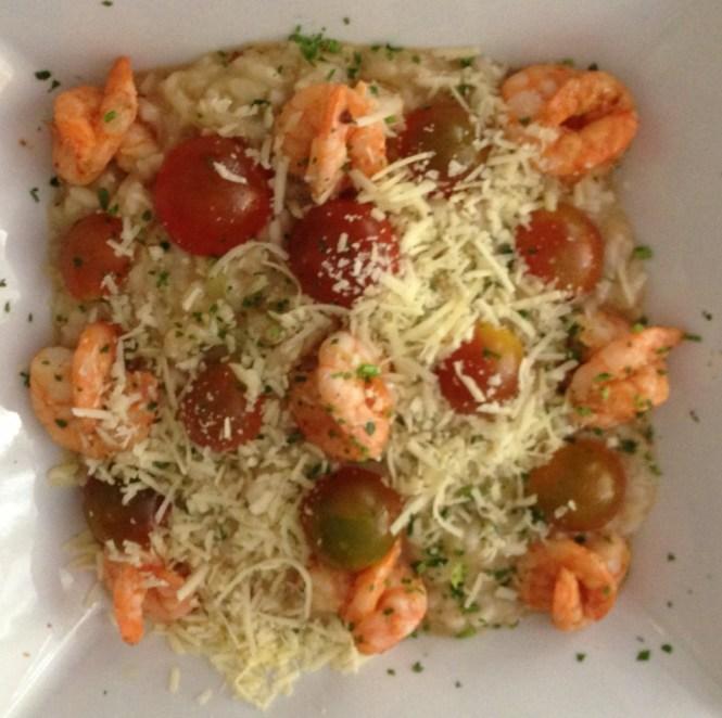 Risoto de camarão com tomate cereja