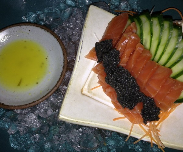 Sashimi de salmon gravlax