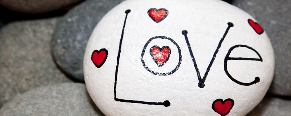 Love Painted Rock For Valentine Decorations Ideas 12