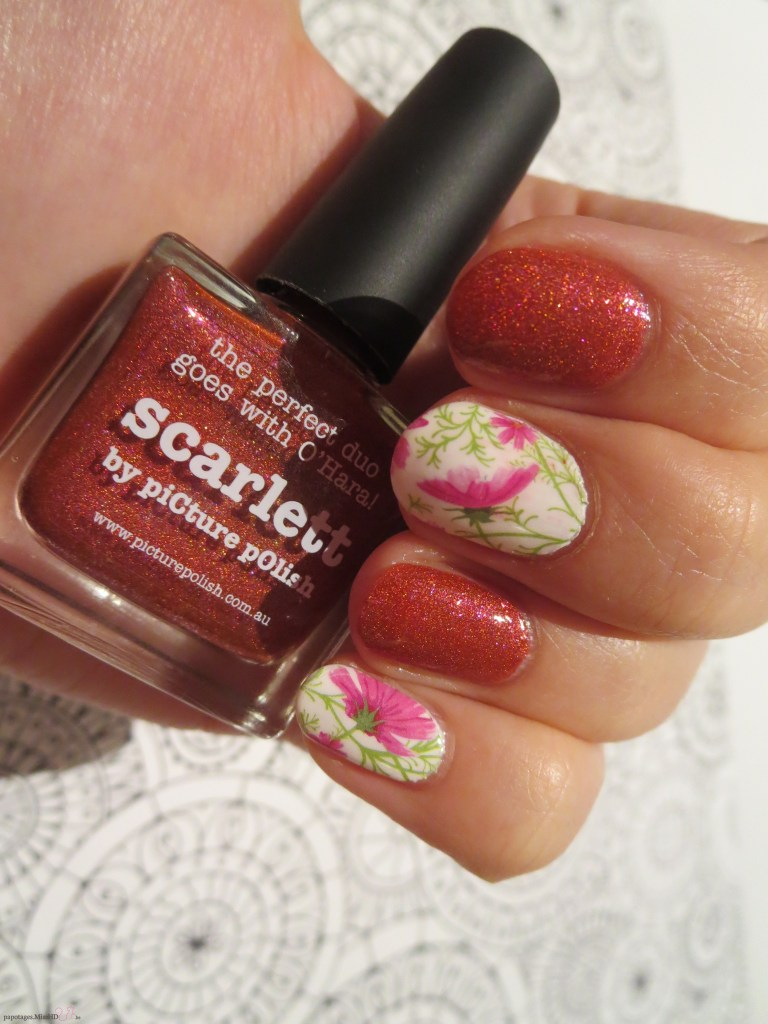 Scarlett de piCture pOlish.