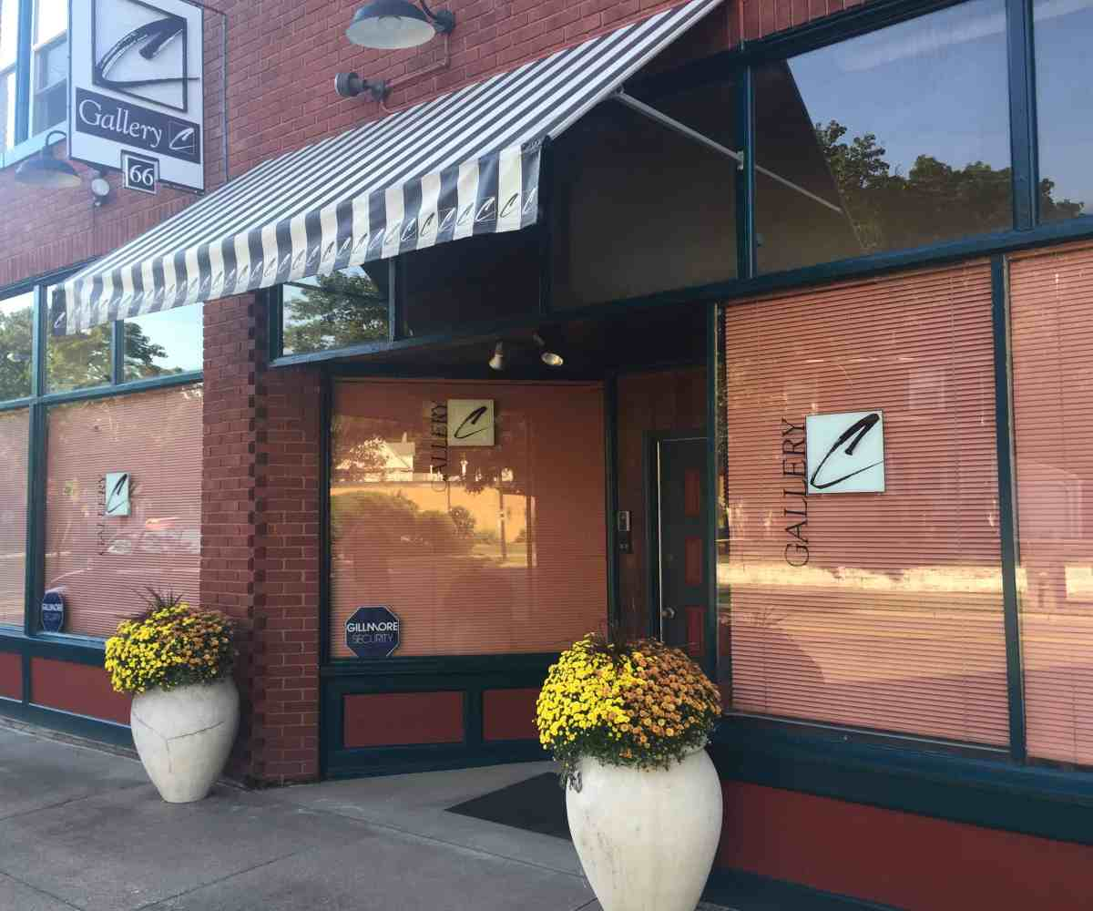 Pappas Realty Co Sells mixed-use commercial & apartment building Akron, OH