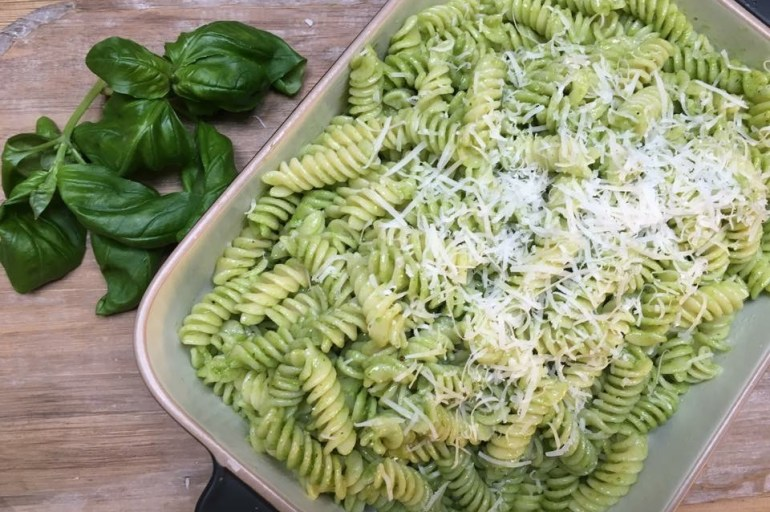Glutenfri pasta med hjemmelaget pesto
