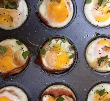 Egg- og baconmuffins