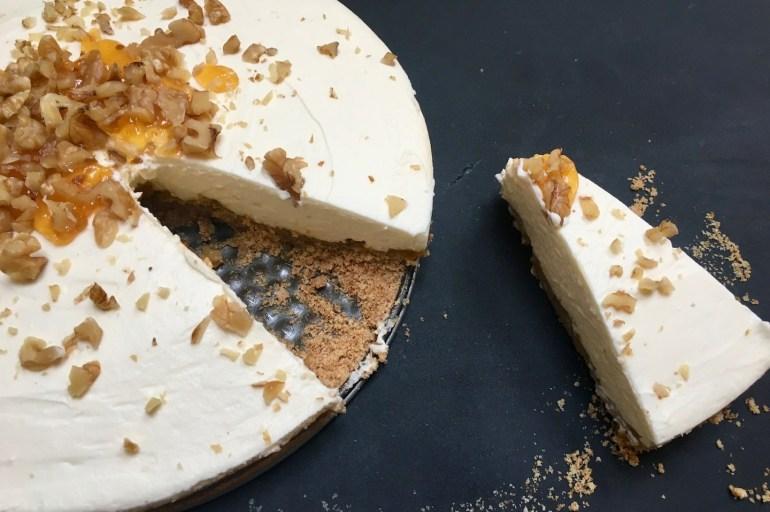 Glutenfri cheesecake med krumkaker og multer