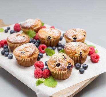 Quinoamuffins med sitron og blåbær
