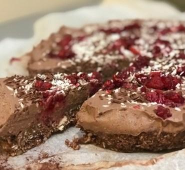 En helt RÅ sjokoladekake