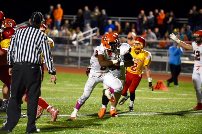 Weathers' career night helps end Marple Newtown's title drought