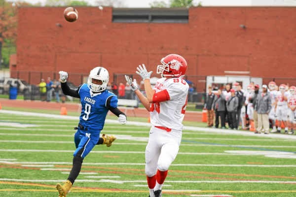 Owen J. Roberts' Hunter Hinrichs makes the reception on Saturday against Norristown. (Jeff Davis - For Digital First Media)