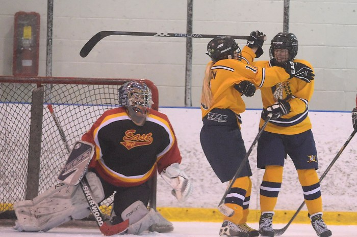 Unionville survives stiff test from Downingtown West, repeats as ICSHL champ,