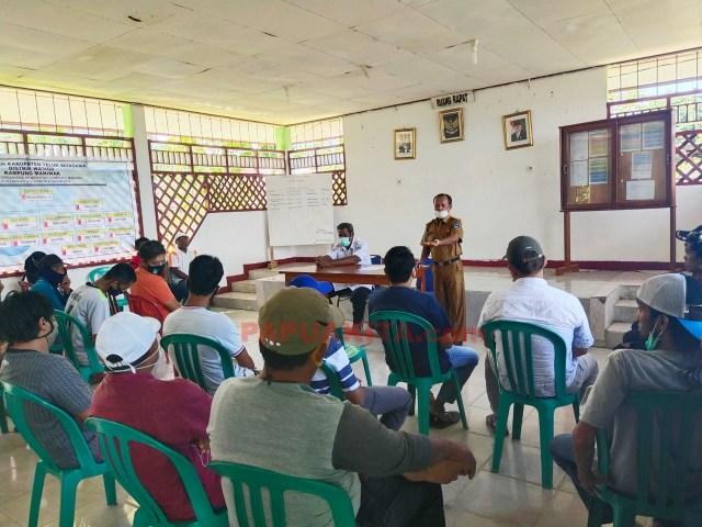 Pemerintah Kampung Maniwak menggelar rapat bersama warga, bahas masalah data penduduk, Surat Izin Usaha hingga pengelolaan sampah
