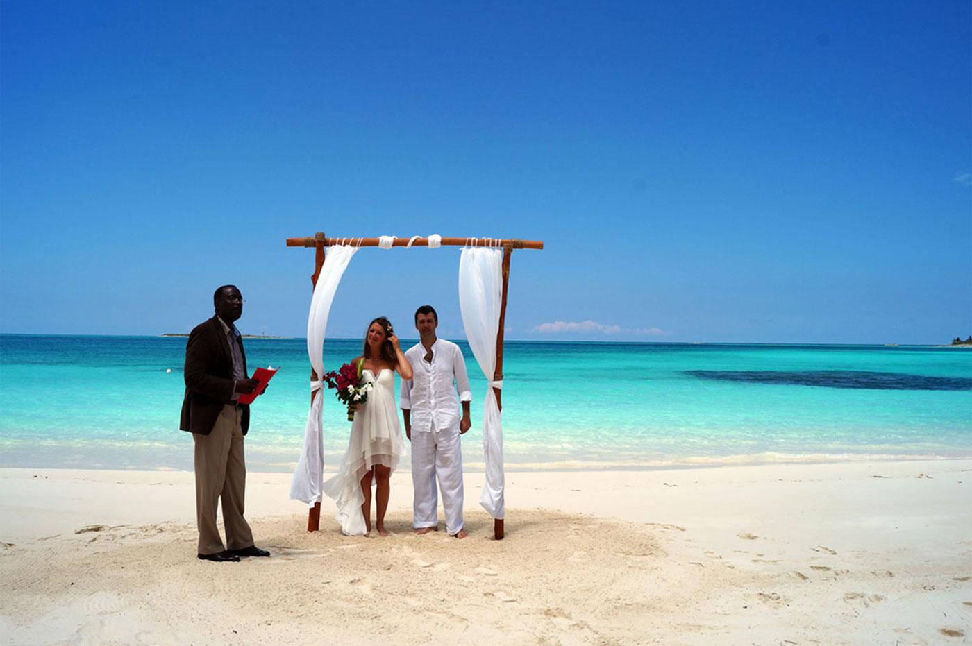intimate wedding on the beach in exuma