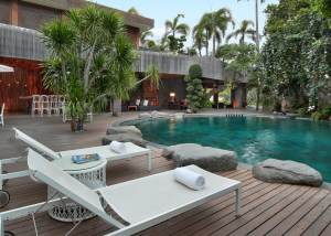 Swimming-Pool-Peppers-Seminyak