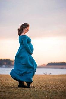 natural maternity winter photography maine pregnancy Paradis Cape elizabeth