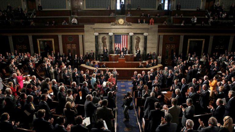 Сенат принял во вторник пакет инфраструктуры на сумму около 1 триллиона долларов