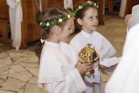 Dar dzieci irodziców dla parafii - nowa kadzielnica