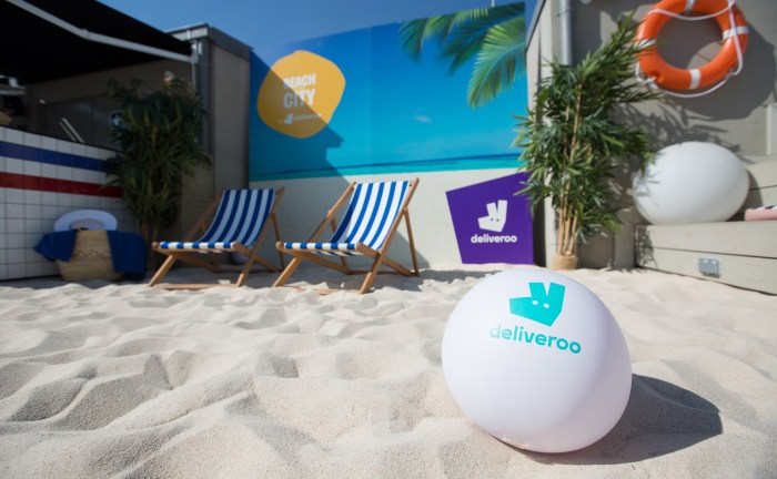 EVENTO MARKETING DELIVEROO PLAYA MADRID HOTEL AZOTEA