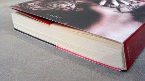 marca da escuridão, detalhe do livro