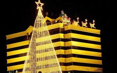The Ultimate Kelowna Christmas Light Tour