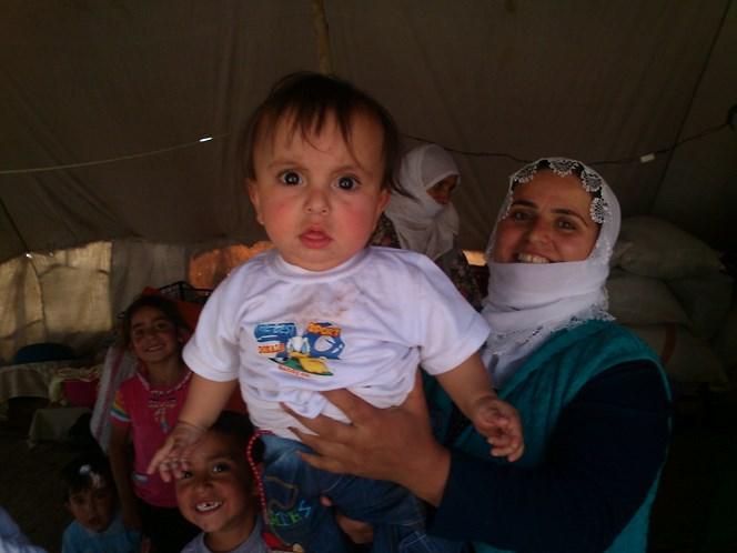 Kurdyjskie mamy, choć mogą wydawać się nieśmiałe, bardzo lubią chwalić się swoimi dzieciakami