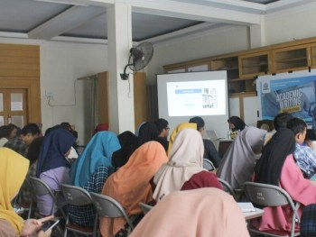 Workshop Academic Writing Institut Parahikma Indonesia