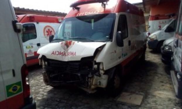 Cemitério de ambulâncias: Samu tem 18 veículos encalhados em João Pessoa