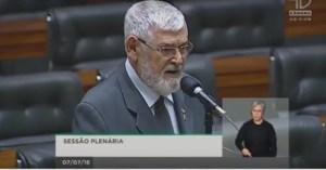 Parlamentar paraibano critica política do 'toma-lá-dá-cá' do presidente Temer